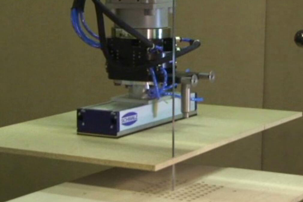 Gripping system for wooden boards