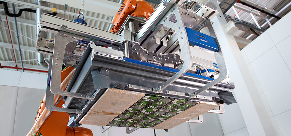Layer gripping system for handling product layers