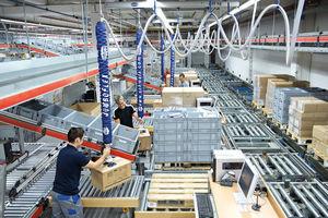 Schlauchheber JumboFlex in einem Distributionszentrum